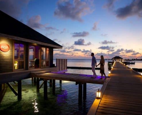 Komandoo Island Resort & Spa Aqua Restaurant Aussen