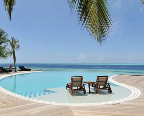 Komandoo Island Resort & Spa Infinity Pool