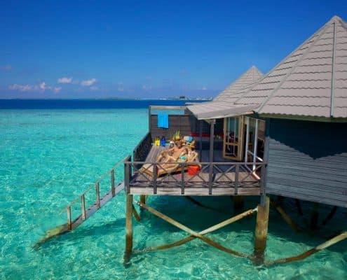 Komandoo Island Resort & Spa Jacuzzi Water Villa Aussenanblick