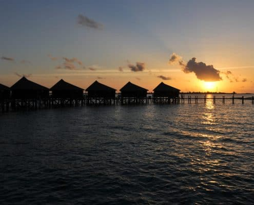 Komandoo Island Resort & Spa Jacuzzi Water Villa Sonnenuntergang